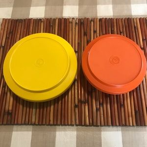 Vintage Tupperware plates / bowls with lids